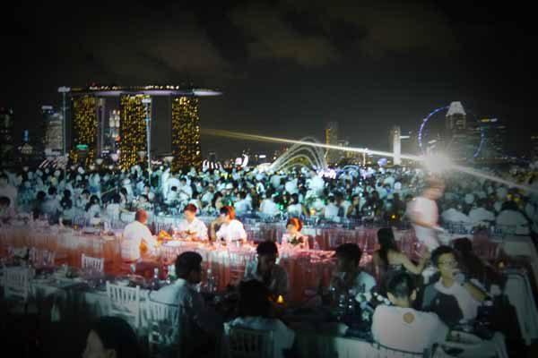 Dinner-en-blanc-special-events-event-management-singapore-4
