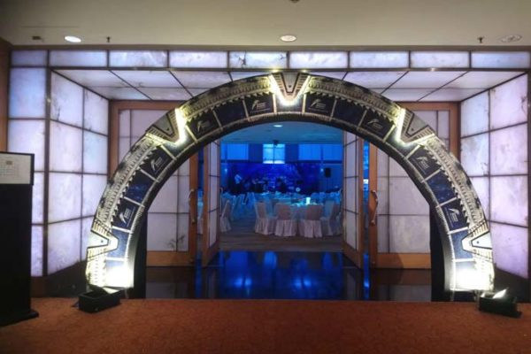 diner-and-dance-under-the-sea-theme-entrance-arch-event-company-singapore