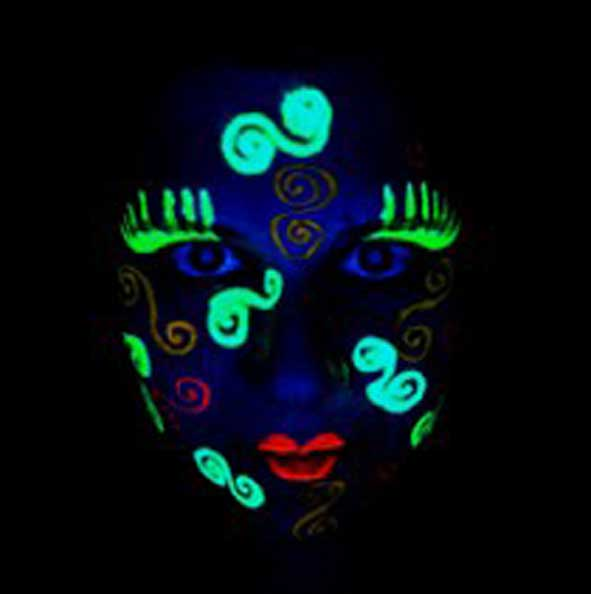 UV light makeup for your pre-event activities