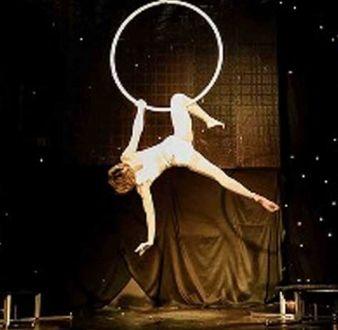 event-management-event-entertainment-singapore-entertainment-showtime-ariel-hoop-performance