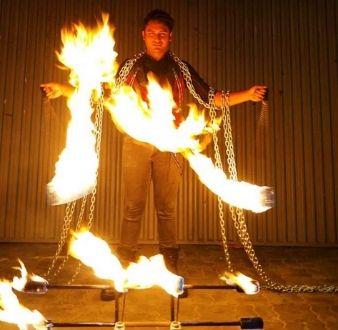 event-management-event-entertainment-singapore-entertainment-showtime-pyro-man