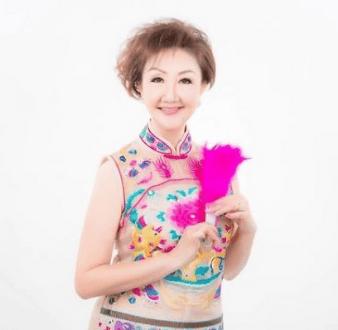 female-event-emcees-singapore-lin-ru-ping