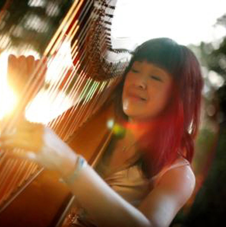 virtual-national-day-event-packages-singapore-event-company-performance-harpist